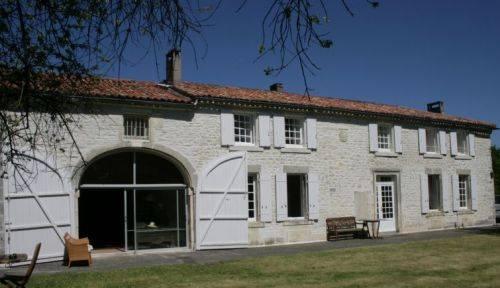Location Maison de famille en Charente 12-14 couchages