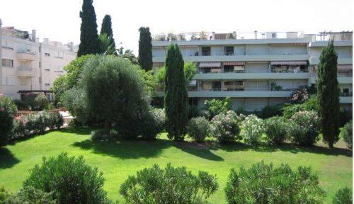 Loue appartement sur jardin avec piscine - 6couchages - St Tropez
