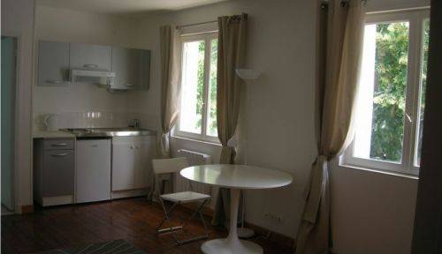 Studio meublé refait à neuf 23m2à Saint Cyr sur Loire