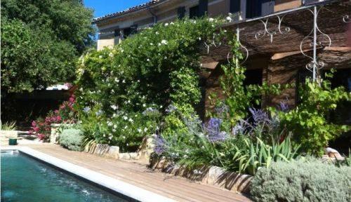 Loue mas de charme avec piscine proche Uzès/Pont du Gard - 3chambres 6couchages