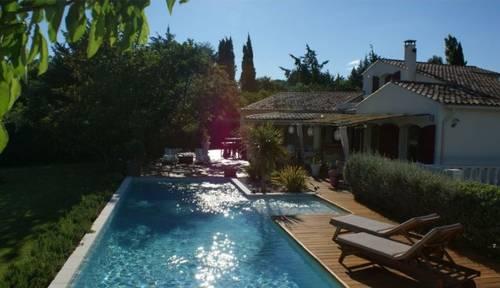 """Loue Maison de vacances """"la ville à la campagne"""" Aix (13) 8couchages"""