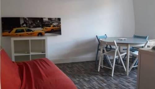 Loue un T2 meublé Tours centre environ 30 m²