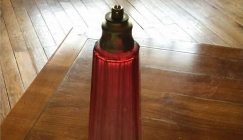 Vends pied de lampe monté sur flacon de parfum en verre taillé