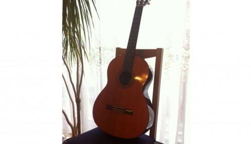 Vends guitare classique Bahia
