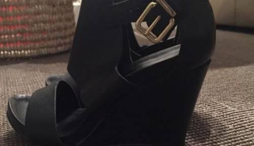 Chaussures noires compensées taille 36Minelli peu portées