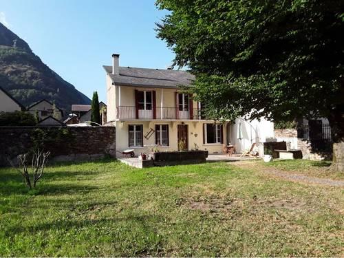 Loue une maison à Bagnères de Luchon en plein centre ville 6couchages