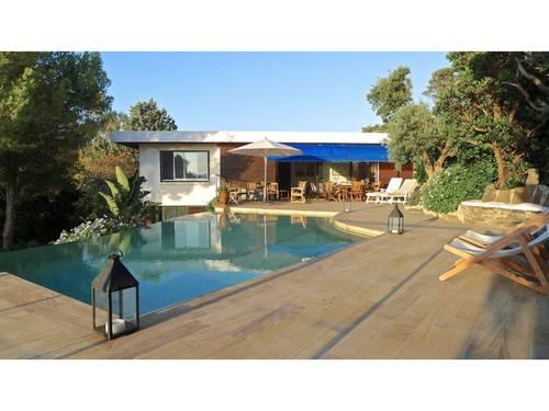 Loue villa dans le Domaine du Cap Nègre à Cavalière (83) - 10couchages