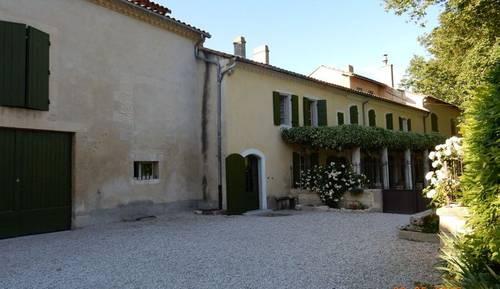 Mas ancien au coeur de la Provence, proche Avignon, 12 couchages