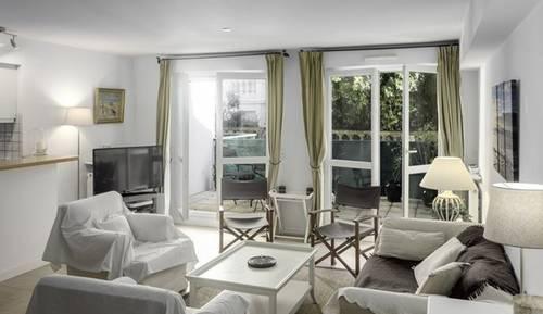 Loue Très bel appartement à 100m de la Grande plage, 8couchages, Terrasses - St-Jean-de-Luz (64)