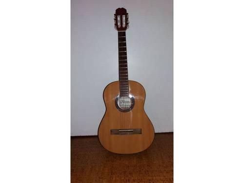 Guitare Classique 1/2marque Alvaro