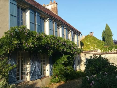 Loue maison de caractère Bourgogne 89 proche Joigny 12 couchages