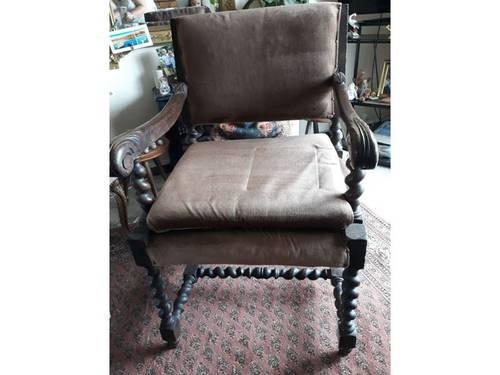 Véritable fauteuil Louis XIII