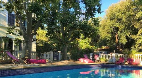 Loue maison de famille, 11couchages, 5chambres avec piscine à Marseille 12ème