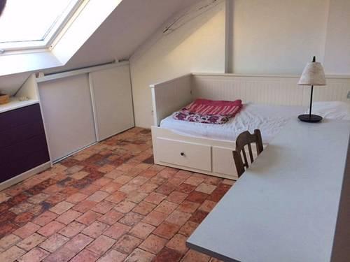 Propose chambre pour étudiante proche Université Catholique 11m² - Angers (49)