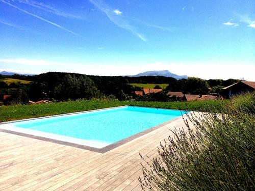 Loue villa entre Biarritz et St-Jean-de-Luz 10couchages vue montagne