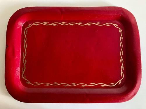Ancien plateau métal laque rouge bordeaux doré