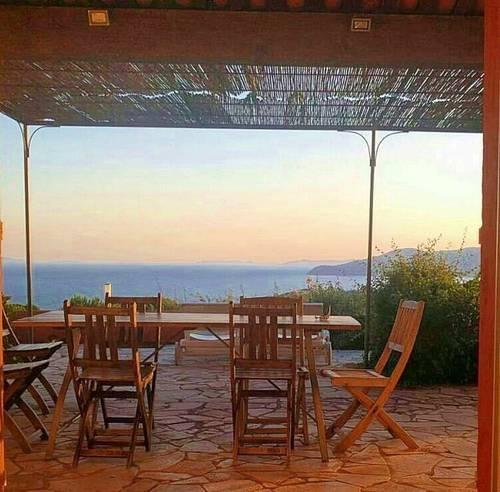 Loue Mas à Gigaro(Var) 16couchages - vue mer magnifique