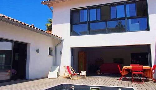 Loue maison avec piscine pour 6personnes: Biarritz (64)