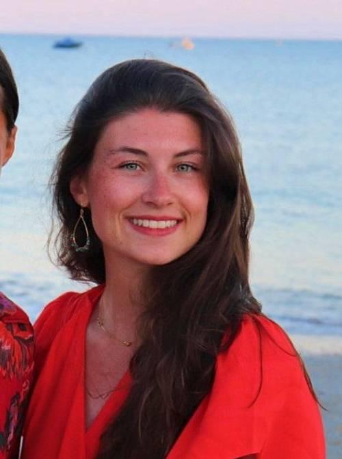JF de 21ans, propose Babysittings en soirée sur Carnac