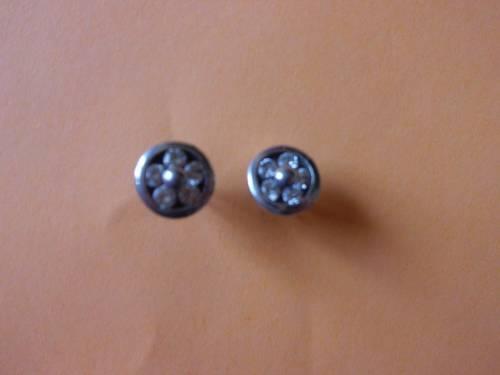 """Boucles d'oreilles en argent et strass """"Petites fleurs"""" oreilles percées"""