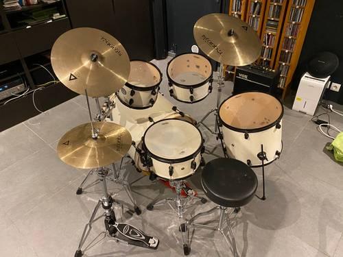 Set Batterie Complet: Mapex Meridian Birch Series + Set de cymbales Istanbul Agop Xist