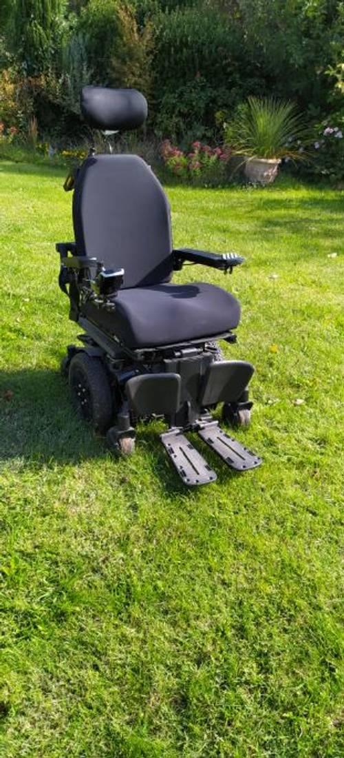 Vends fauteuil roulant électrique PRIDE Q6EDGE