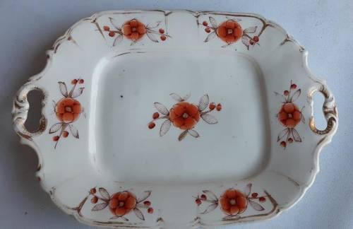 Plat ancien avec poignées en porcelaine type Vieux