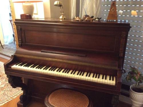 Piano Pleyel étude droit