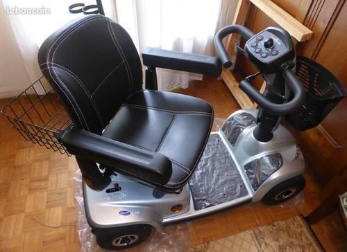 Scooter électrique Invacare modèle Léo état neuf
