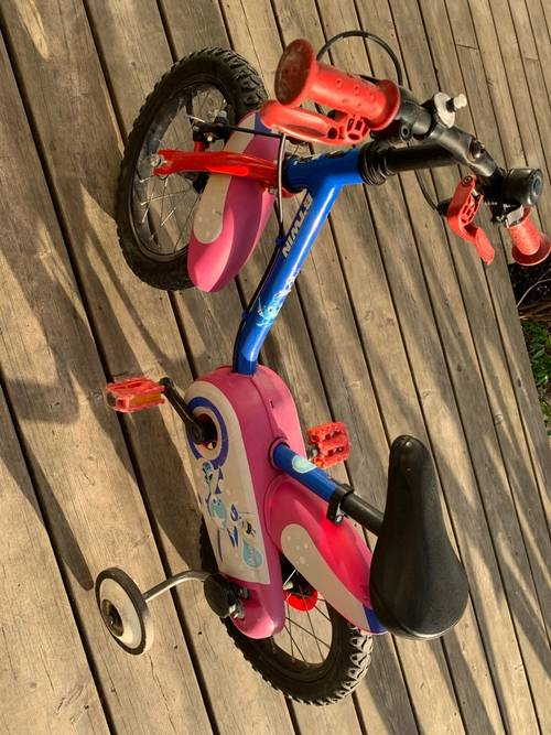 Vends vélo enfant décathlon âge 35ans