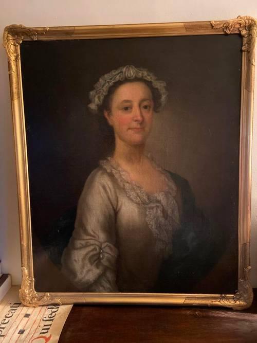 Très beau portrait de femme de qualité d'époque XVIIIe