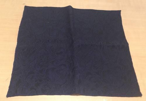 Carré de soie noir motifs moirés - 28x 28cm
