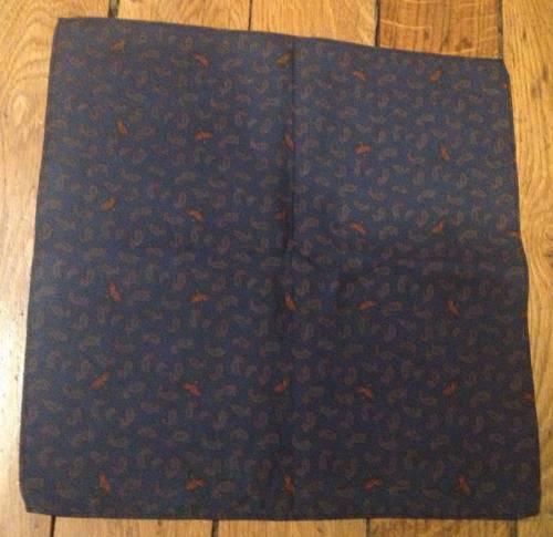 Carré en coton fond bleu-vert motifs cachemire - 28x 28cm