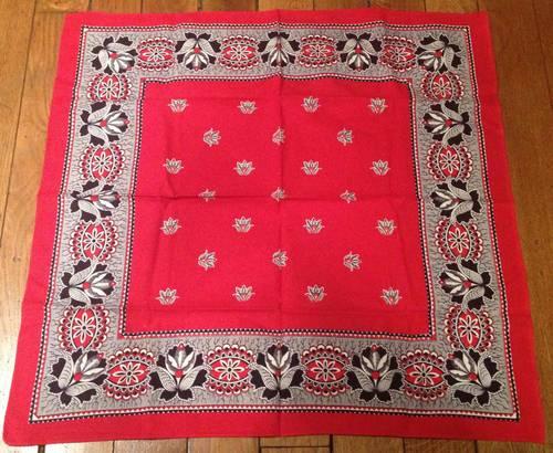 Carré / foulard en coton motifs fleuris 59X 60,5cm