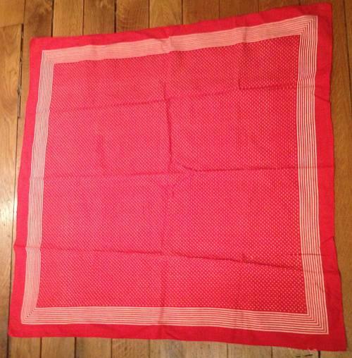 Foulard en coton rouge avec pois blancs et rayures 68x 68cm