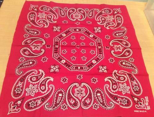 Bandana vintage (années 70) en coton rouge - 52,5x 55,5cm