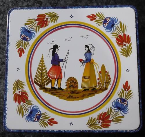 """Boîte métal """"Couple de bretons"""""""