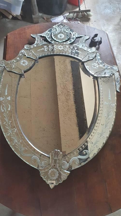 Miroir ovale vénitien