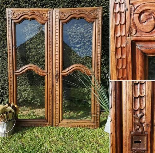 Paire de portes vitrées en bois anciennes