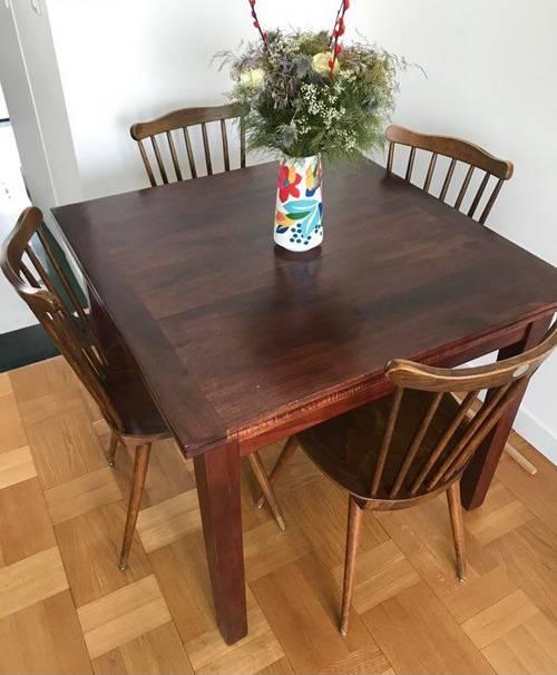 Vends belle table extensible bois massif