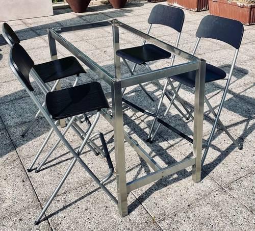 Ensemble cadre de table et 4chaises hautes
