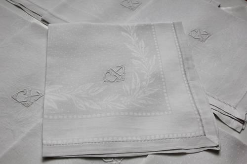 Serviettes lin damassées brodées art déco linge ancien