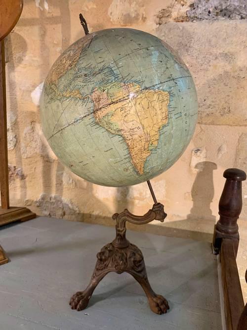 Globe Terrestre Girard et Boitte. XIXème