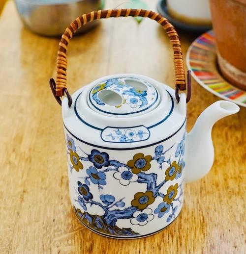 Théière Chinoise traditionnelle fleurs dorées et bleues