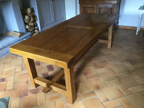 Table de salle à manger 2.20x0.90m plus 2rallonges
