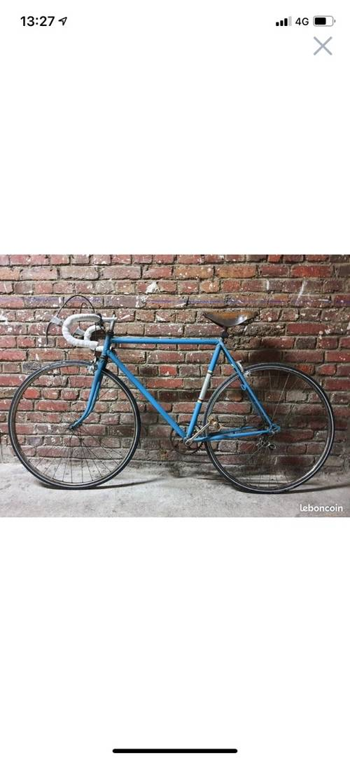 Velo route bleu vintage