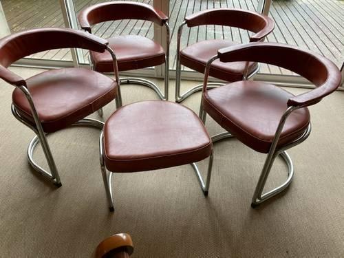 Vends 4fauteuils et un tabouret design années 60, acier chromé cuir