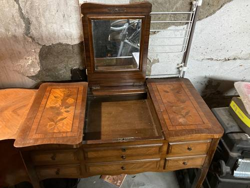 Vends coiffeuse style Louis XV