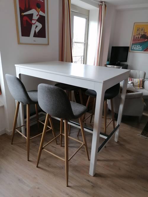 Table haute et ses 4chaises