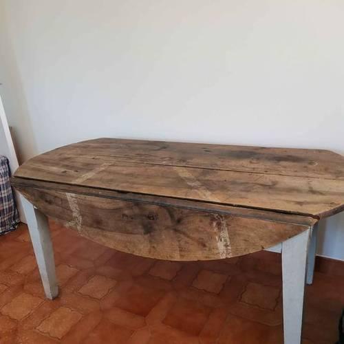 Table ancienne ovale avec rallonges